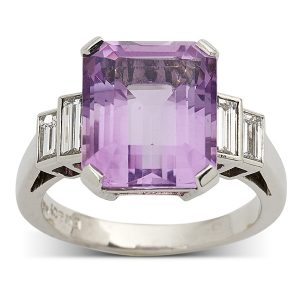 Amethyst-with-stepped-baguette-cut-diamonds