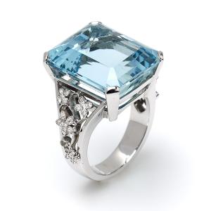 Aquamarine-with-Diamond-Set-Floral-Shoulders
