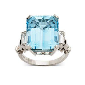 Aquamarine-with-baguette-cut-diamonds