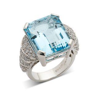 Aquamarine-with-pierced-diamond-shoulders