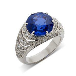Sapphire-with-pierced-diamond-shoulders