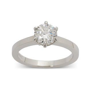 Single-stone,-round-brilliant-diamond-engagement-ring