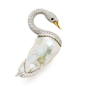 Swan-with-pearl-body-and-diamonds-to-neck