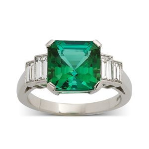 Tourmaline-with-stepped-baguette-cut-diamonds