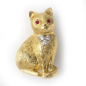 cat-with-diamonds