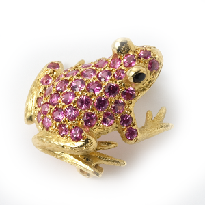 frog-with-amethysts