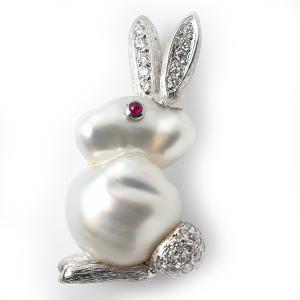pearl-rabbit-with-diamonds
