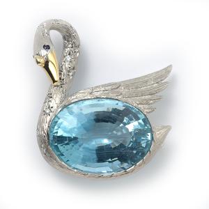 swan-with-aquamarine